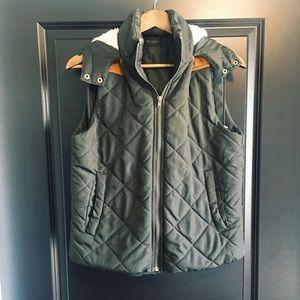 Bohme Boutique Black Hooded Vest